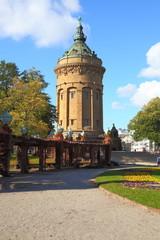 Mannheim, der Wasserturm (Herbst 2013)