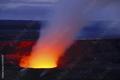 Fotobehang Natuur Park Pu'u O'o crater on Kilauea erupting, Volcanoes National Park, Ha