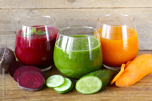assorted fresh juices from fruits and vegetables - 75916968