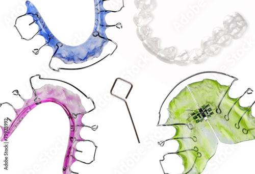 Fototapeta Verschiedene Zahnspangen, retainer