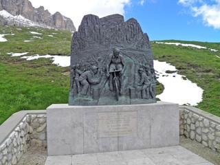 Passo Pordoi/Monumento a Fausto Coppi