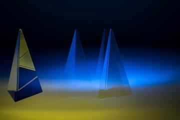 glass prism win strobe light