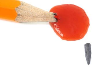 La mine de crayon brisée