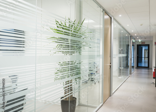 Leinwandbild Motiv Corridoio uffici
