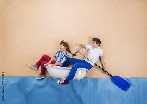 Leinwanddruck Bild Little sailors on the sea