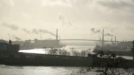 Hafen in Hamburg bei Sonne