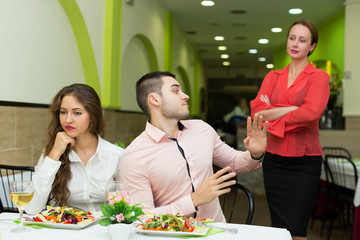 Dissatisfied visitors in restaurant
