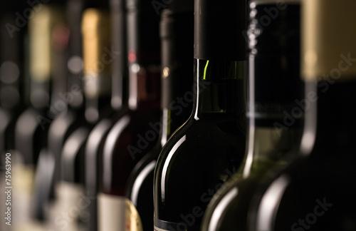 Bottles of wine - 75963990
