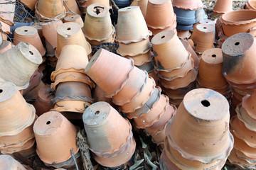 Pile plant pot.