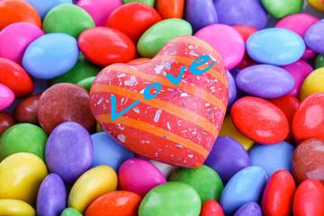 Herz mit Schriftzug als Liebesgruss zum Valentinstag