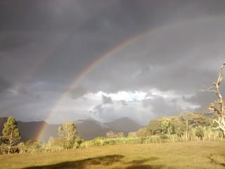 Atardecer con arcoiris