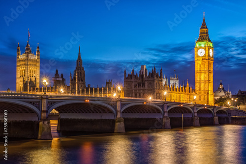Foto op Canvas Artistiek mon. London at night: Houses of Parliament and Big Ben