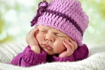 Newborn im Garten