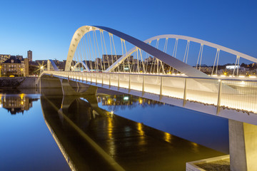 Schuman bridge by night