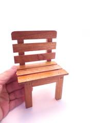 席を譲る・椅子