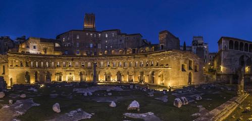 market traiano ruins roman imperial colosseum