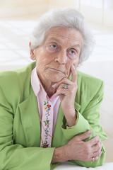 Tristesss senior Femme