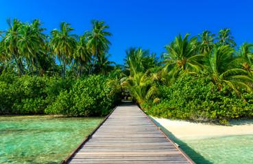 Steg zu einsamer Insel