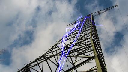 Strommast mit Blitze