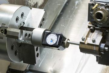 Operator setup tool and setting tool zero position of CNC turnin