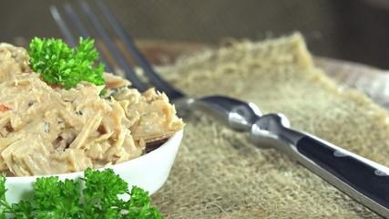 Tuna Salad (not loopable)