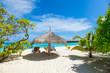 Rest in Paradise - Malediven - Postkartenmotiv mit Sonnenschirm