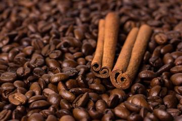 Корица на кофейных зернах