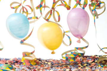 Faschings Party mit drei Luftballons