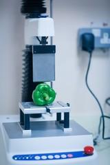 Machine analysing pepper with computer