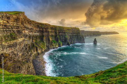 Leinwanddruck Bild Cliffs of Moher at sunset, Co. Clare, Ireland