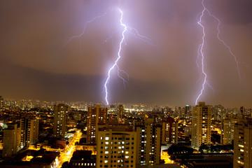 Raios na cidade de São Paulo, Brasil