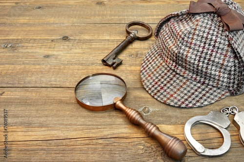 Sherlock Holmes Cap famous as Deerstalker, Key, Handcuffs and Ma