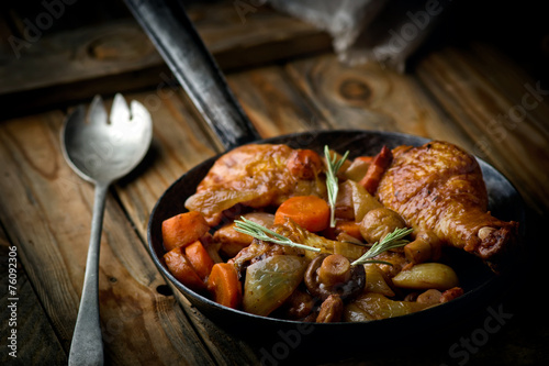 Deurstickers Assortiment chicken with mushrooms and vegetables, stewed in wine.