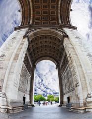 The striking angle Arc de Triomphe