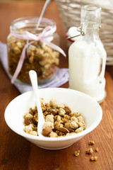 Bran and oats granola with milk