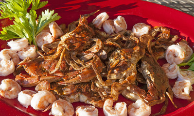 Sauteed soft-shell crabs with shrimp