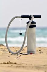 kite pump on the beach