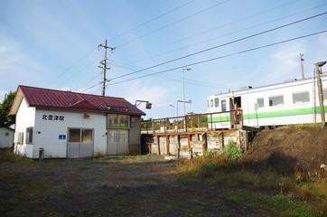 無人駅と普通列車