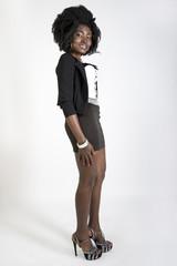 bella ed elegante ragazza africana