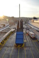 Traghetto: inbarco automezzi