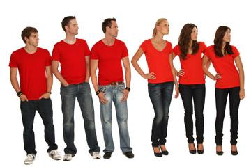 Gruppe im roten T-Shirts