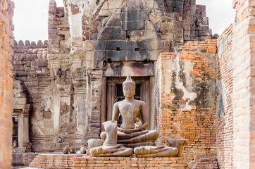 サーン・プラ・カーンの仏像 境内