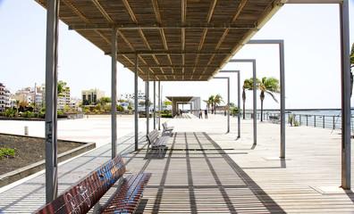 Estructuras ornamentales en un parque de Arrecife, Lanzarote