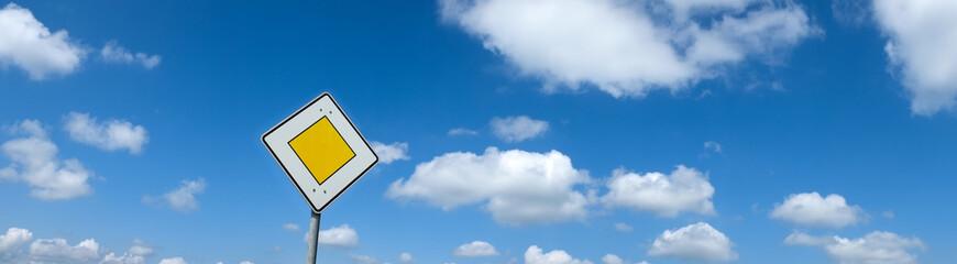traffic sign (4)