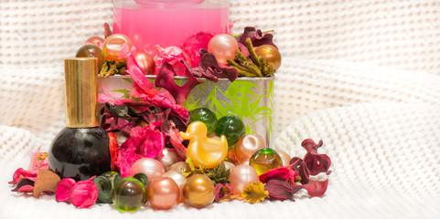 detail on colored bath balls