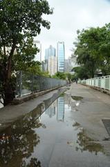 Тротуар с отражением