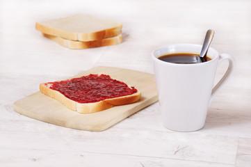 Frühstück Toast und Tasse Kaffee