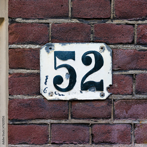 Poster house number 52