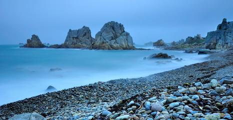 Les rochers étranges de la côte de Plougrescant. Trégor