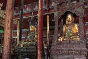 Monastère Nga Hpe Chaung sur le lac Inle